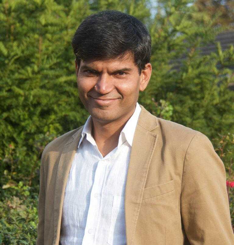 Prof Subodh Dave head shot - MRCGP CSA, AKT and PLAB Exam Courses and Online Webinars - Arora Medical Education